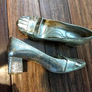 Gold low pump loafers